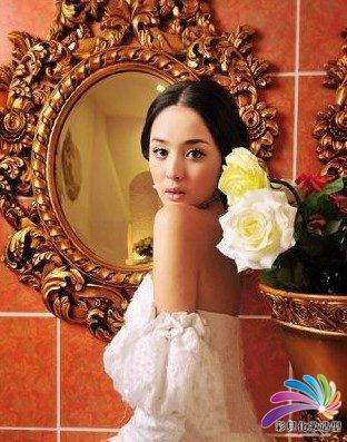 南阳化妆培训学校--最IN复古宫廷新娘装扮